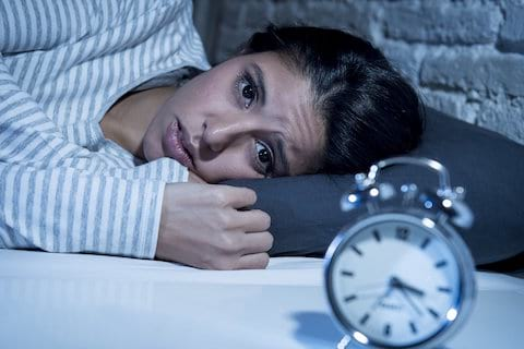 women has insomnia and cant fall asleep